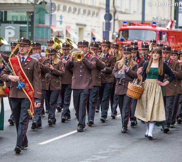"""Festparade anlässlich """"150 Jahre Oö. Landesfeuerwehrverband"""""""